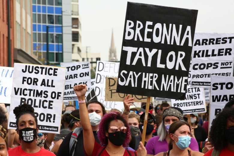 US Police launch investigation after Breonna Taylor sculpture was vandalised