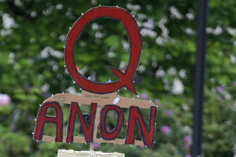 How conspiracies Enjoy QAnon are Gradually creeping into some Canadian churches thumbnail