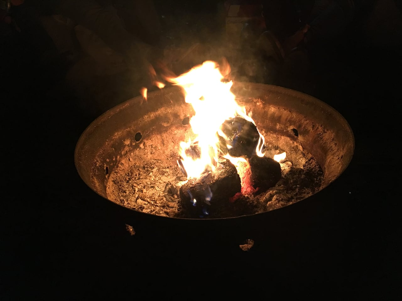 As Temperatures Dip Torontonians Bump Up Against Outdoor Fire Pit Rules Cbc News
