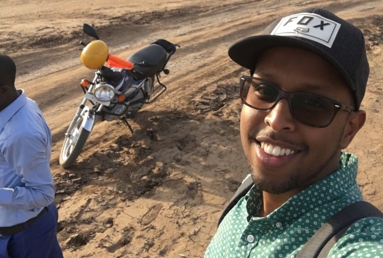 Canadian files complaint after CBSA agent allegedly stopped him since'you Are Somalian' thumbnail