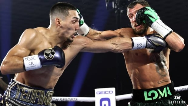 Teofimo Lopez dethrones Vasiliy Lomachenko to become undisputed lightweight champ