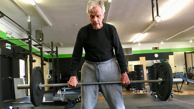 Coach says 96-year-old 'crushing it' every week in CrossFit class