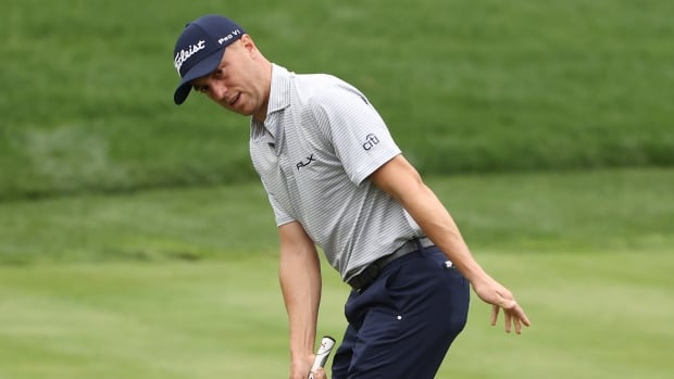Justin Thomas uses fast start to speed into lead at Zozo Championship