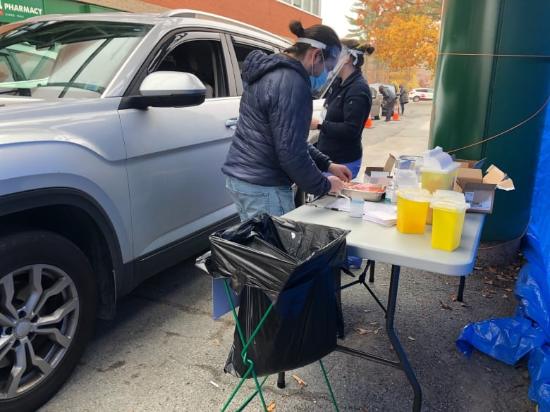 Hundreds Roster through Nova Scotia drive-thru flu shot clinic thumbnail