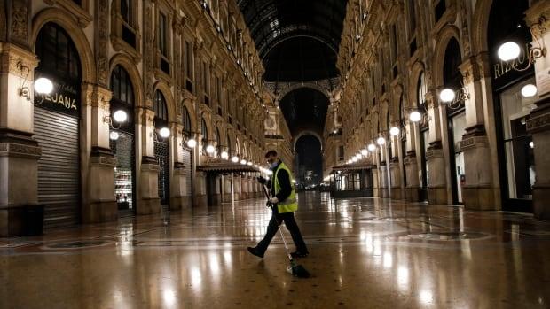 Italy imposes curfews, closures amid COVID-19 surge