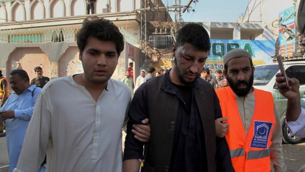Bomb at seminary in Pakistan kills 7 students, wounds 112 | CBC News