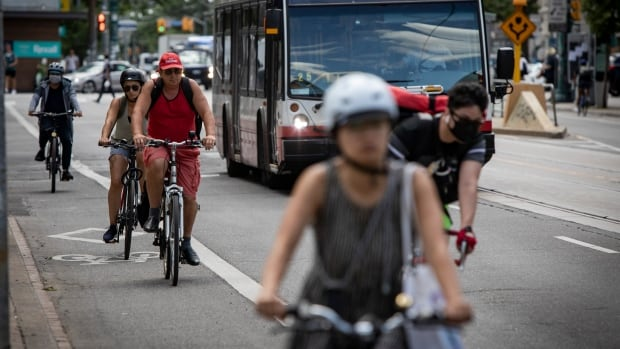 Toronto council OKs plan that could see bike lanes on Yonge Street by summer 2021 | CBC News