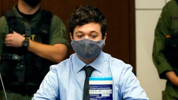 Illinois extradites alleged Kenosha gunman Kyle Rittenhouse to Wisconsin | CBC News