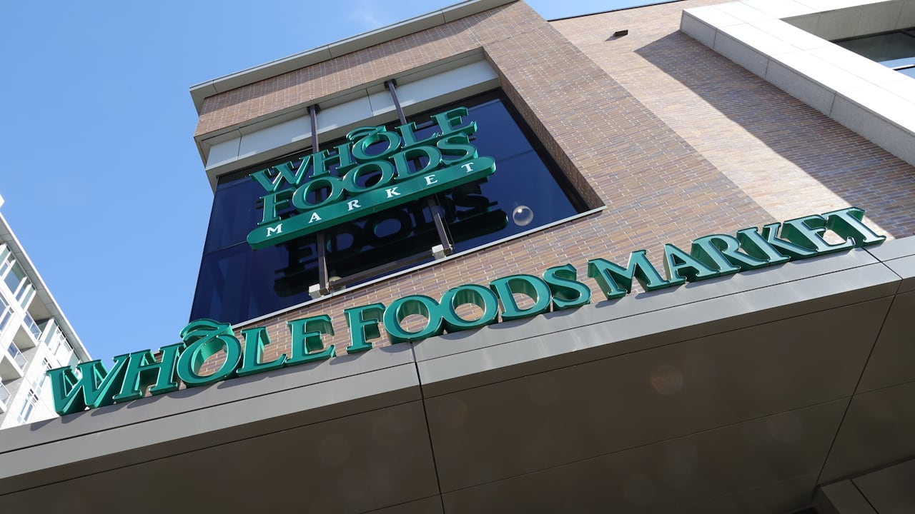 Whole Foods Grocery Chain Bans Employees From Wearing Poppies Cbc News