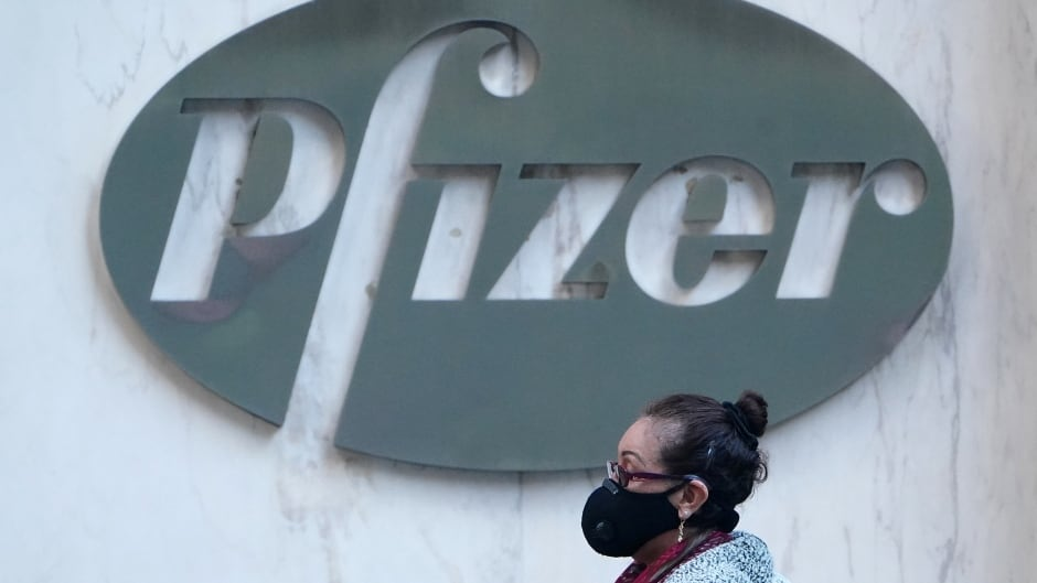 Early Trials For Pfizer Covid 19 Vaccine Offers Hope But Experts Say Logistical Challenges Remain Cbc Radio