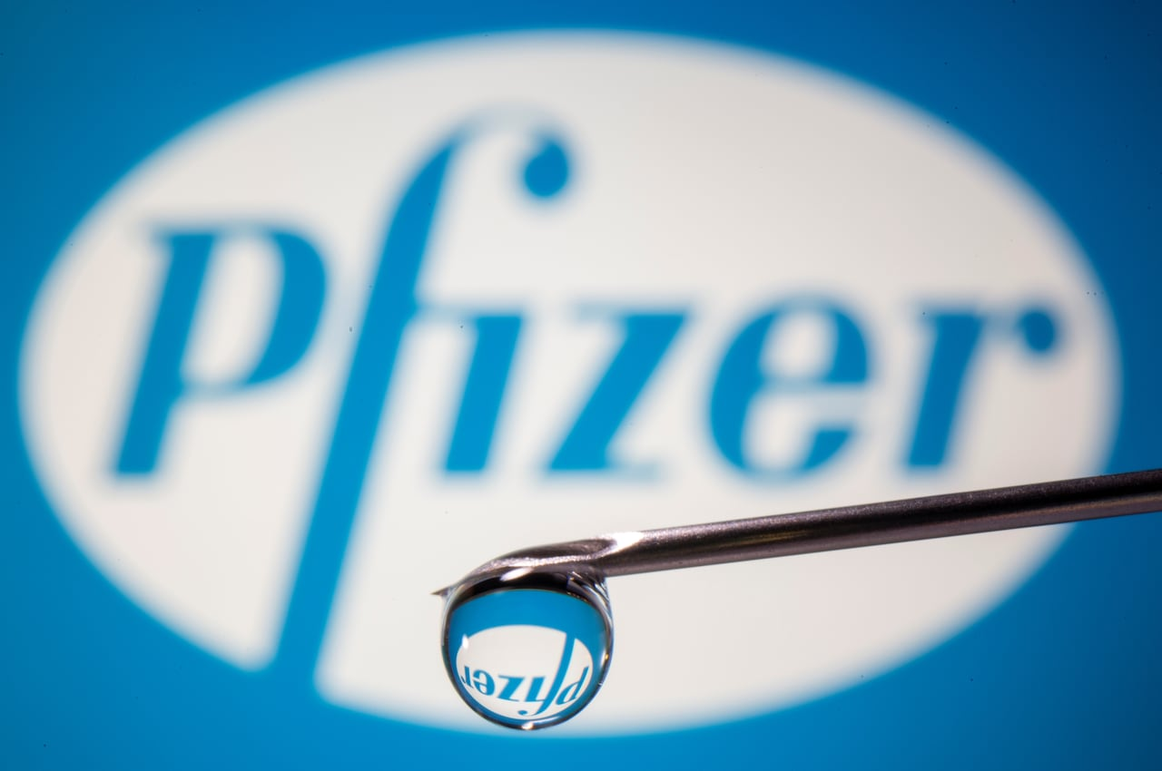 Pfizer Says Covid 19 Shot 95 Effective Seeking Clearance Soon Cbc News