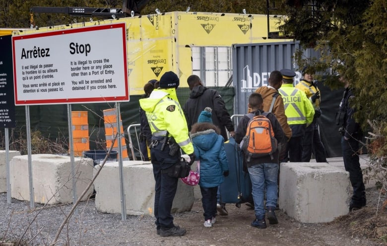 Immigration detention centres emptied over fear of possible COVID-19 outbreaks