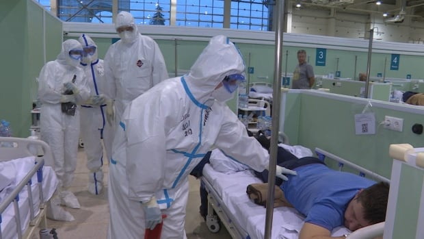 As Russia's COVID cases surge past 2 million, pop-up hospitals like this one are pressed into action | CBC News