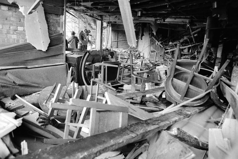 Northern Ireland police arrest 65-year-old man in connection with 1974 IRA bombings thumbnail