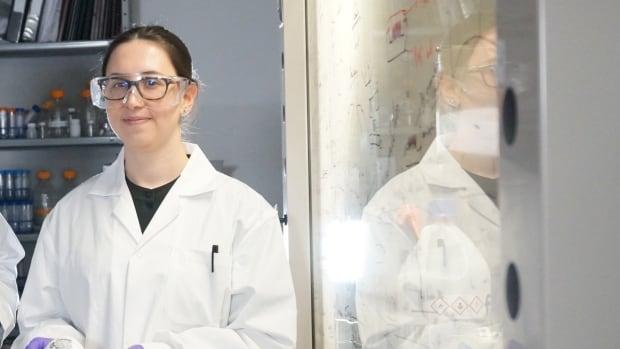 Salt-coated mask that destroys coronavirus droplets earns award for Alberta researcher | CBC News