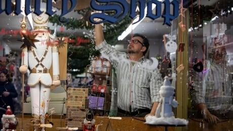 Toronto lockdown christmas store roncesvalle