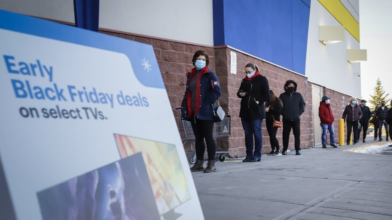 Black Friday brings massive crowds, multiple fights to Calgary mall