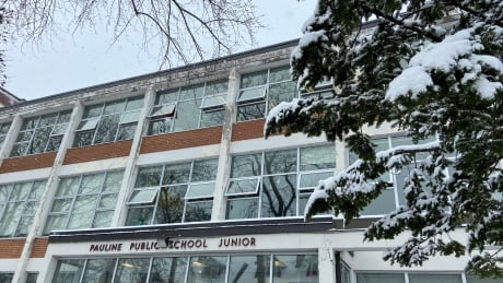 Dress warmly, TDSB tells students as it plans to fight COVID-19 by opening classroom windows