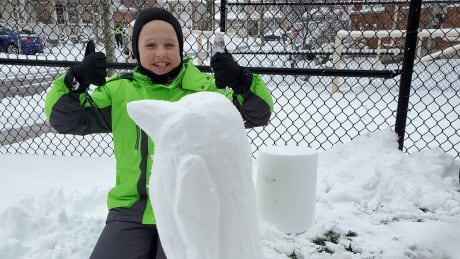 <div>A mix of work and play on Waterloo region's first modified snow day</div>