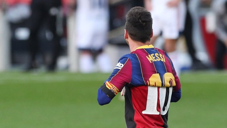 Barcelona should retire Messi's No. 10 in honour of Maradona - son