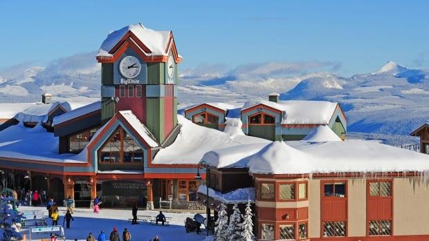Ski resorts throughout B.C. determined for employees as seasonal employees battle to enter Canada thumbnail