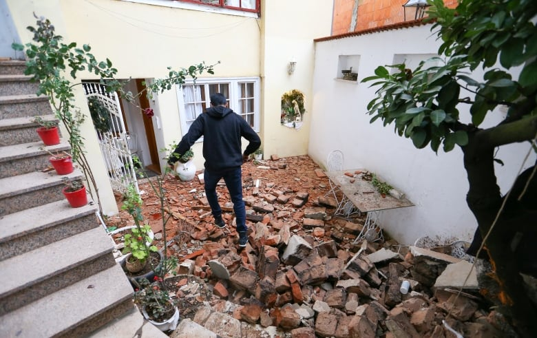 One Person Was Reported Dead After A Strong Earthquake In Central Croatia Times Now Canada