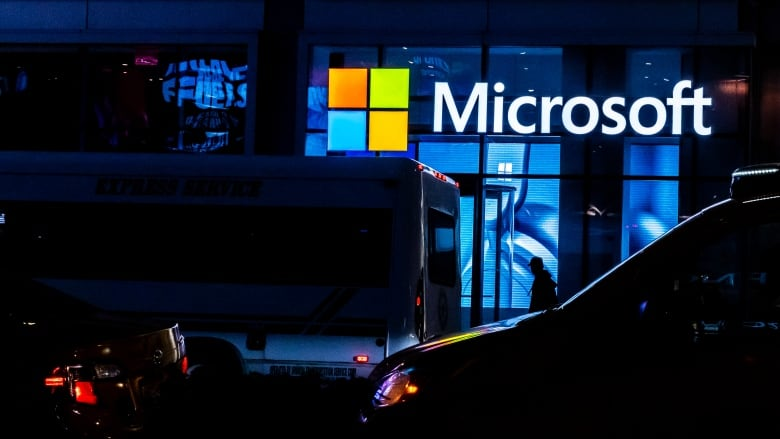 Microsoft Admits SolarWinds Hackers Viewing Their Source Code Through Compromised Internal Accounts