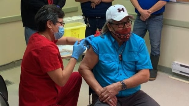 'A light at the end of the tunnel': COVID-19 vaccine arriving in Manitoba First Nations communities