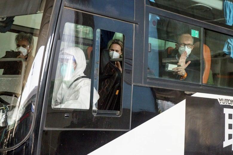 WHO team arrives in Wuhan, China to investigate coronavirus origins thumbnail