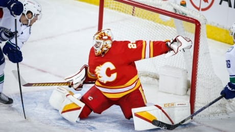 HKN Canucks Flames 20210116
