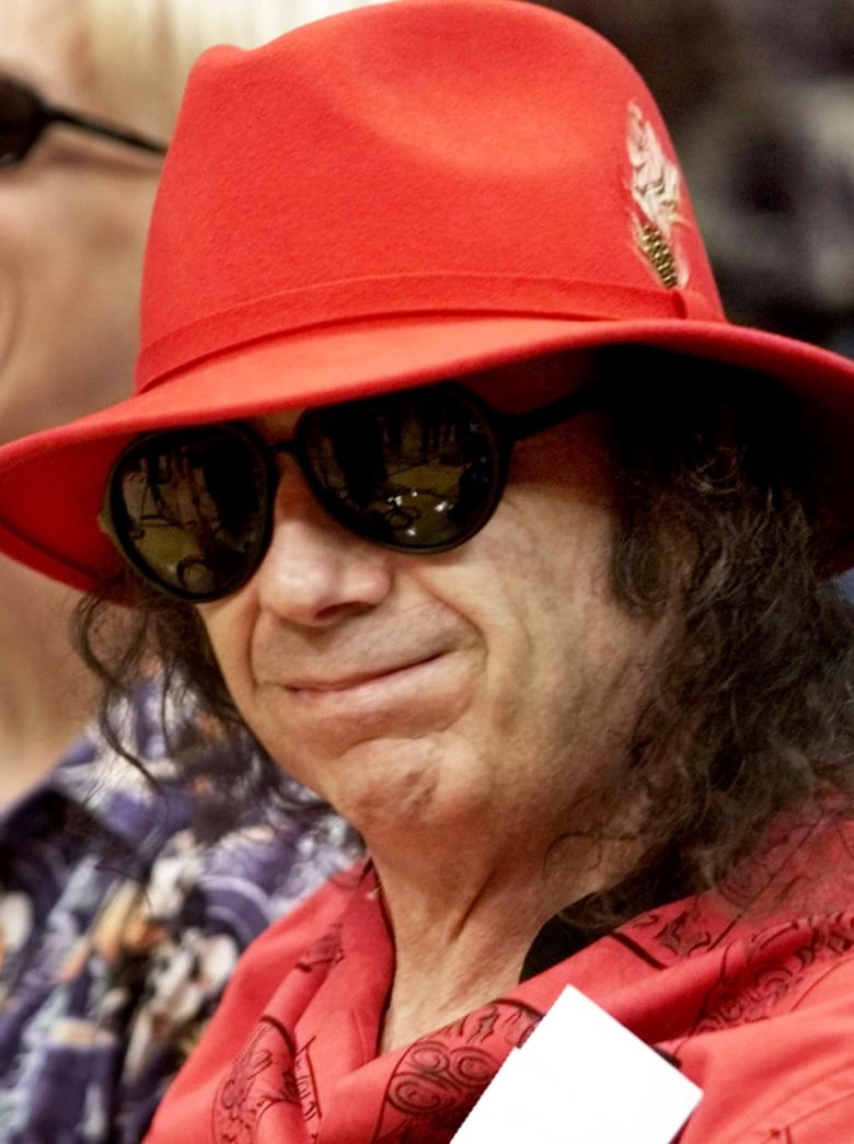 Phil Spector, convicted murderer and revolutionary music producer, dies at 81 thumbnail