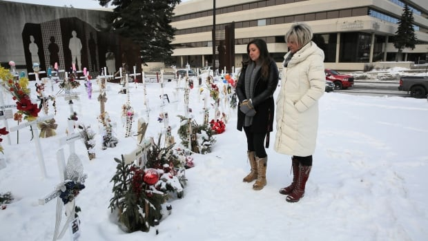 Rows of white crosses in downtown Sudbury, Ont., honour those lost to opioid crisis | CBC News