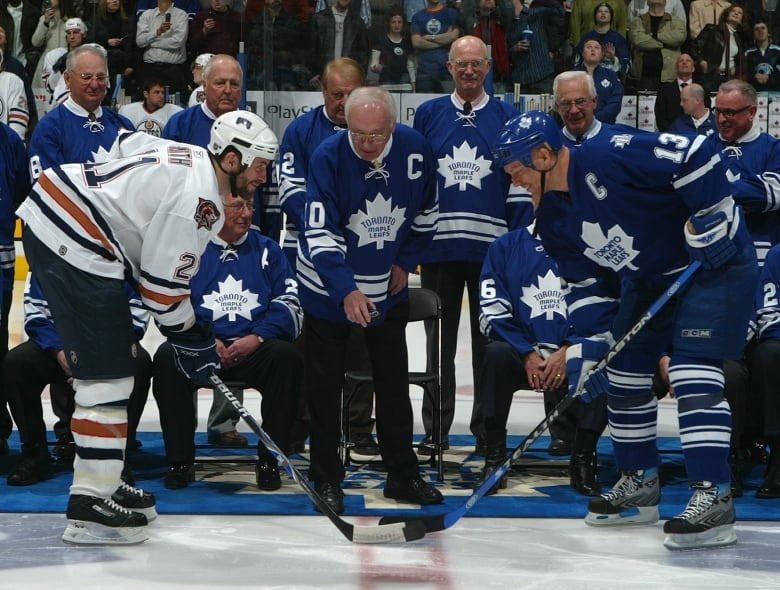 Former Maple Leafs captain George Armstrong dead at 90 thumbnail