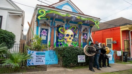 House Floats New Orleans Mardi Gras