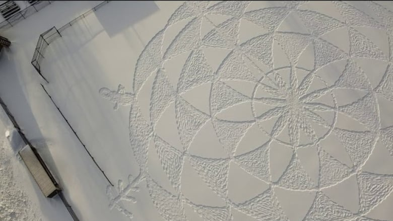 Northern Ontario man stuns community Using Exceptional large-scale snow Artwork thumbnail