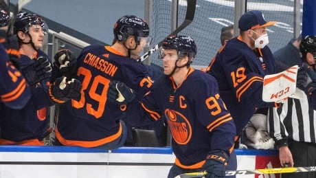 Connor McDavid collects 500th point of NHL career as Oilers edge Jets
