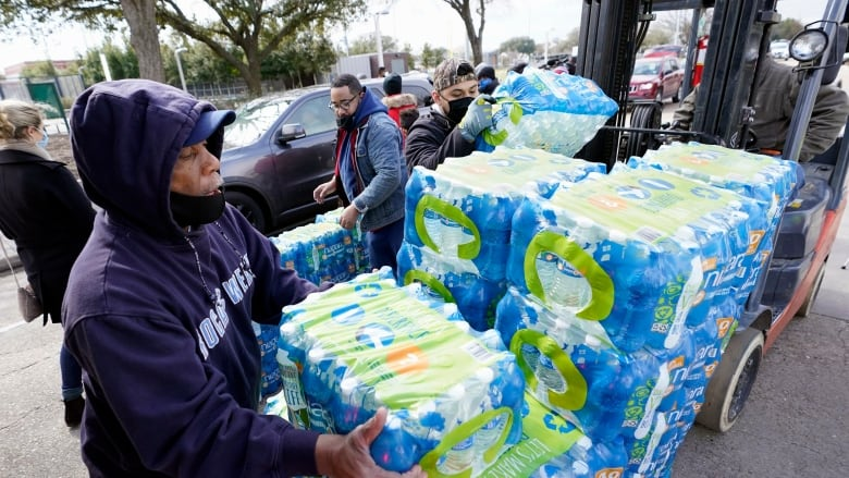 Millions of Texans must boil water, hundreds of thousands still without power due to winter storm