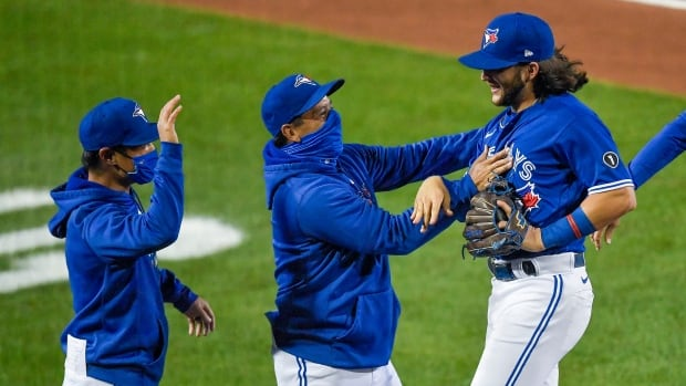 Blind, partly blind Blue Jays fans upset with call to replace radio broadcasts with TV simulcast