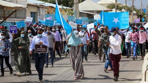 Somalia security forces open fire on protesters decrying delayed election results | CBC News