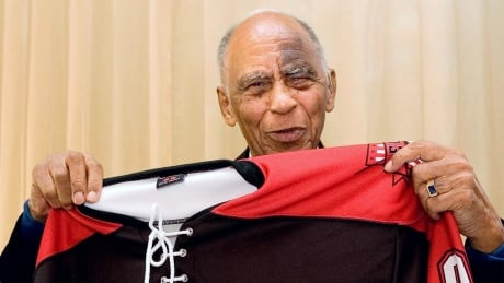 Herb Carnegie's grandson petitions to get grandfather inducted into Hockey Hall of Fame