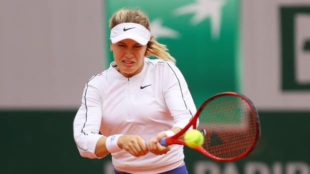 Eugenie Bouchard drops opening match in 1st main draw of season at Lyon Open