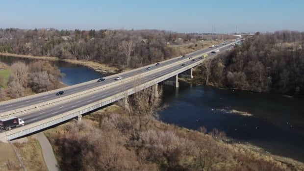 Lane restrictions coming as bridges on the 401 are replaced this spring | CBC News