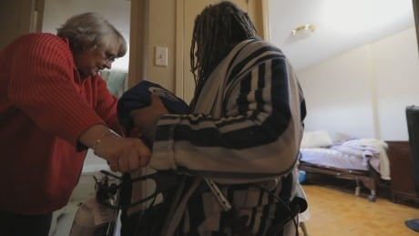 This man is on his deathbed because of the health care he received in prison, lawsuit alleges