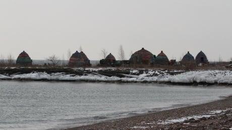 Set huts