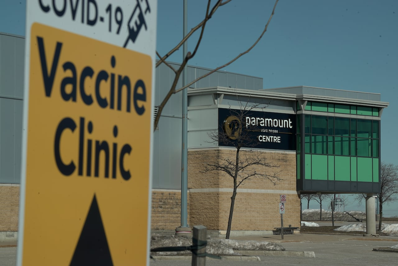 16 Year Old Front Line Worker Among Ontario S Youngest Recipients Of Covid 19 Vaccine Cbc News