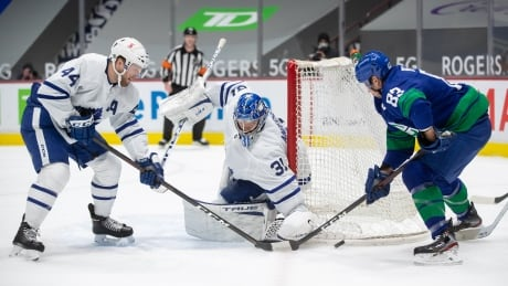 HKN Maple Leafs Canucks 20210306