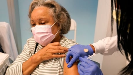Once you've been vaccinated: U.S. releases recommended do's and don'ts