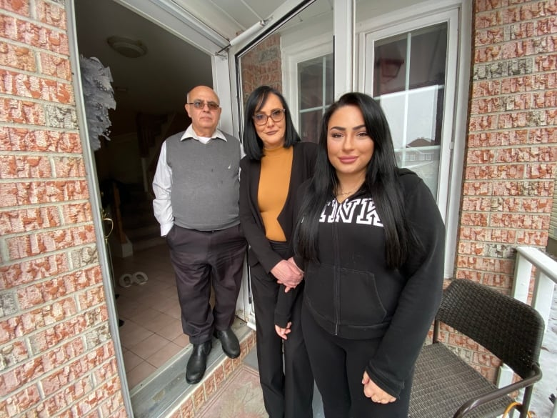 Botched no-knock raids prompt calls to limit police tactic