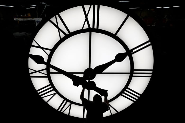 Why moving to daylight time is 'a challenge on top of a challenge' in 2021