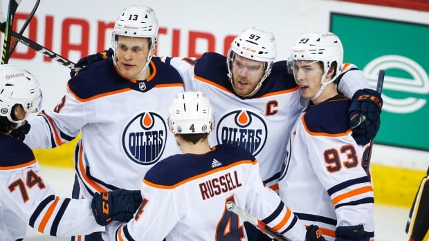 Oilers stomp Flames to put quick end to Sutter's honeymoon in Calgary | CBC Sports